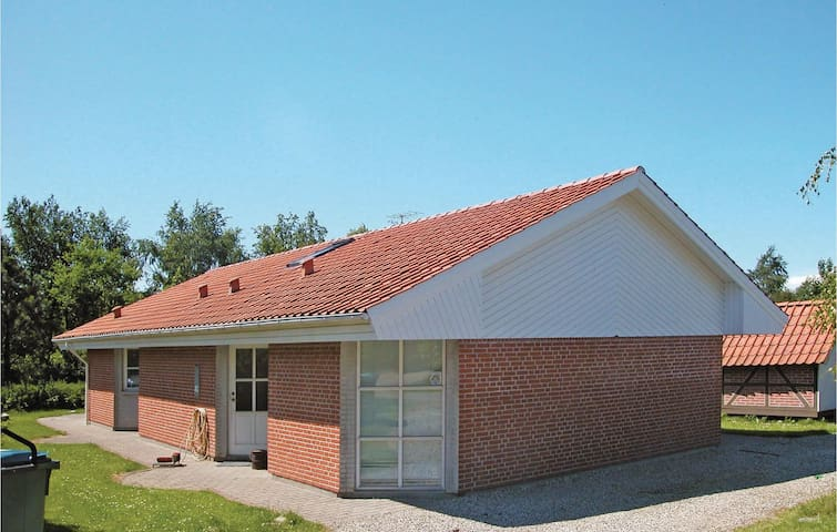 Holiday cottage with 3 bedrooms on 130 m² in Juelsminde