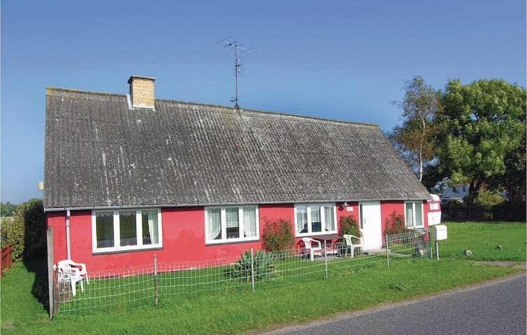 Holiday cottage with 2 bedrooms on 76m² in Rudkøbing