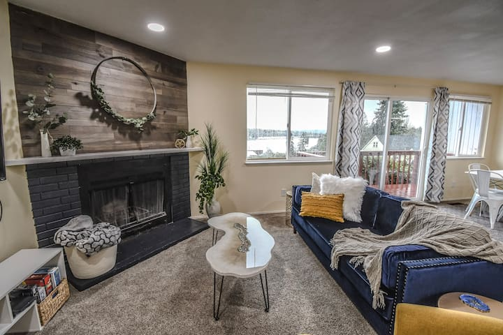 STUNNING View in style at the Inlet Vista Cottage