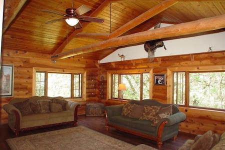 17 Acre Log Retreat With Wildlife Galore!!! - Grass Valley