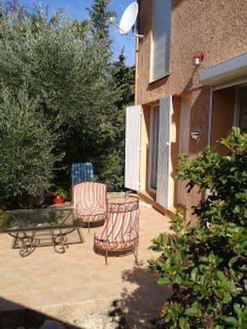 1 chambre à louer - Castillon-du-Gard - House