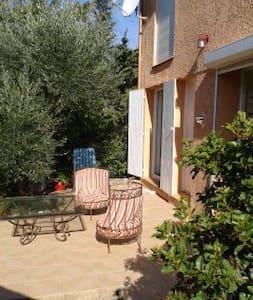 1 chambre à louer - Castillon-du-Gard