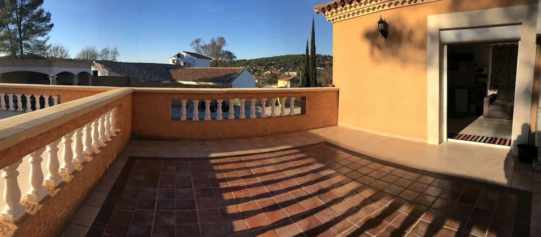 Superbe studio de 25m2 neuf et sa terrasse de 25m2 - Grabels - Leilighet