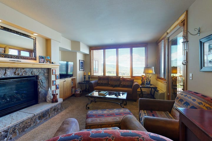 Ski-in/ski-out, family-friendly condo w/valley views & shared pool and hot tubs
