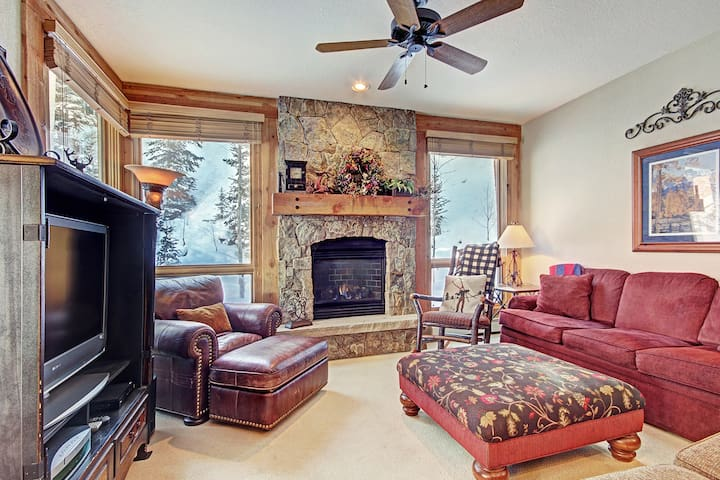 2 Bedroom Luxury Townhome in Settlers Creek - Backs Right up to the Woods!