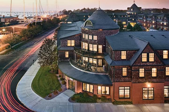 Long Wharf - Newport, RI - 2BD, Sleeps 6ppl - A