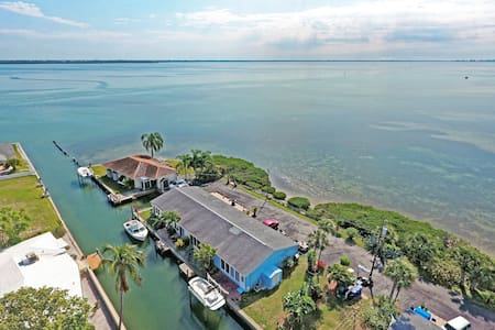 Surrounded by water views - Longboat Key
