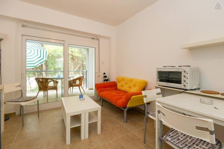 Cozy 2-floor beach apartment (10% off for a week)