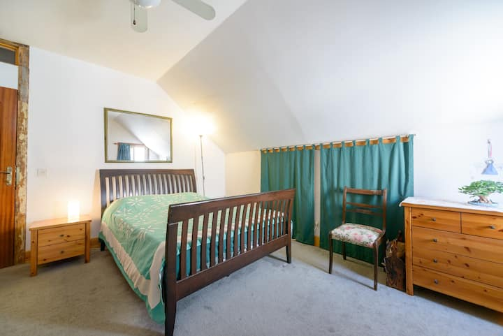 Private Queensize Bedroom in American Colony