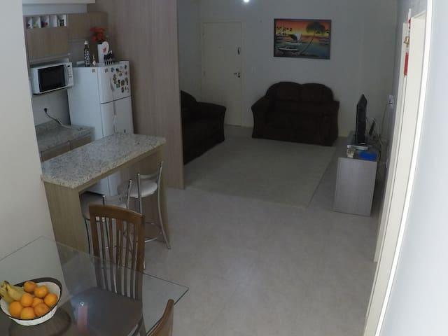 Excelente apartamento, completo e de fácil acesso
