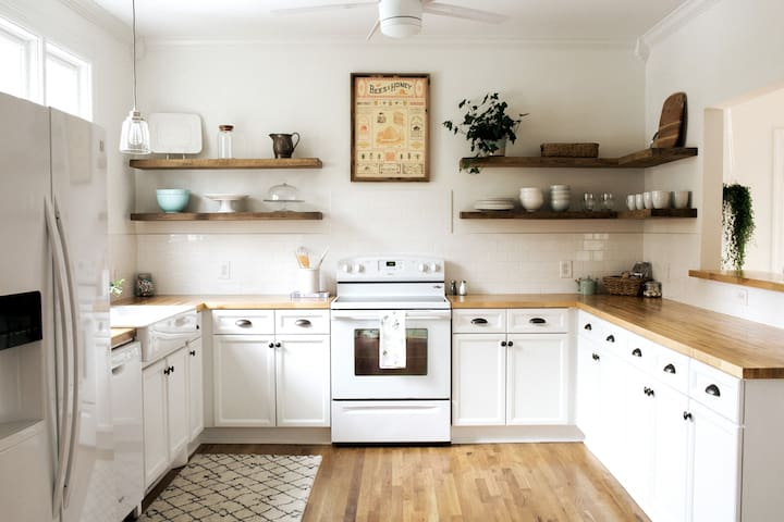 Walk to the farmers' market just .8 miles away and make yourselves a gourmet meal in the open fully equipped kitchen!