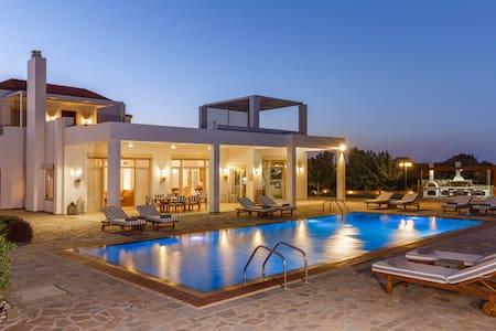 Belvedere Beachfront Villa in Rhodes - Afantou