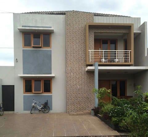 Pondok Raphael Guesthouse 30