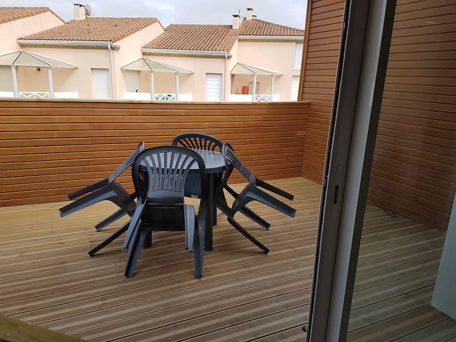 terrasse agreable cote est 15 m²