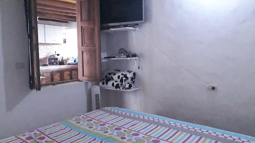 Habitación 1. Cama de 2x2  opción dos camas twin