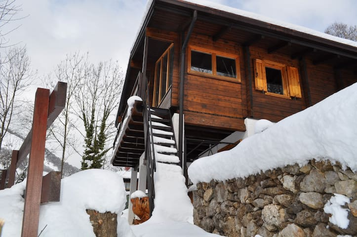 Chalet alpino  immerso nella natura - Lepreno - Bed & Breakfast