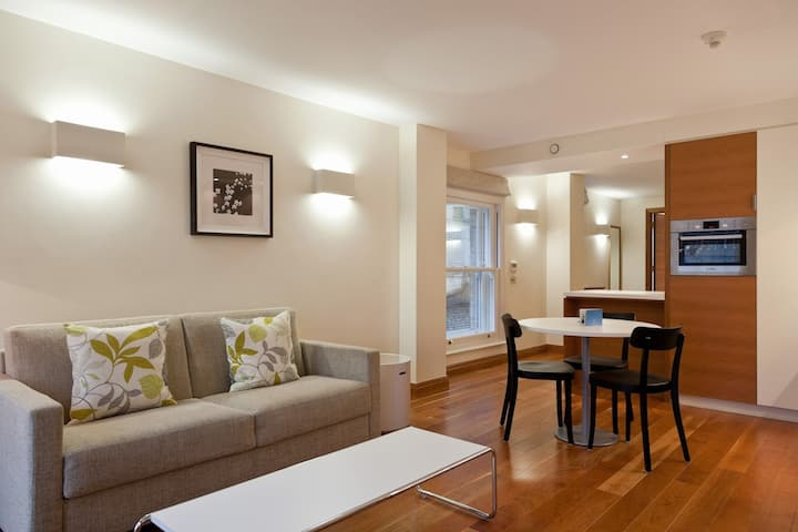 Clerkenwell,Farringdon-One-Bedroom Apartment, EC1