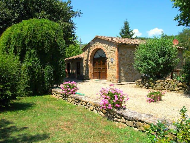 GLICINE House, sleep 2, pool, Cortona 3 Km