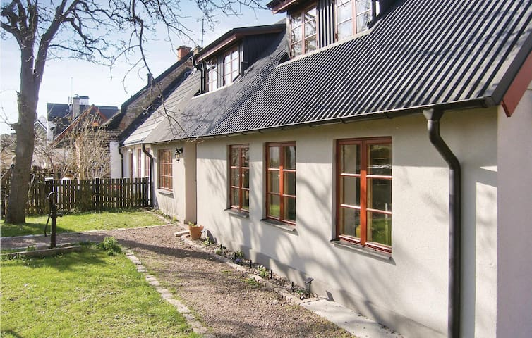 Holiday cottage with 3 bedrooms on 120m² in Limhamn