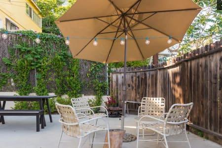 Beautiful Venice Home/Room - Los Angeles - Apartment