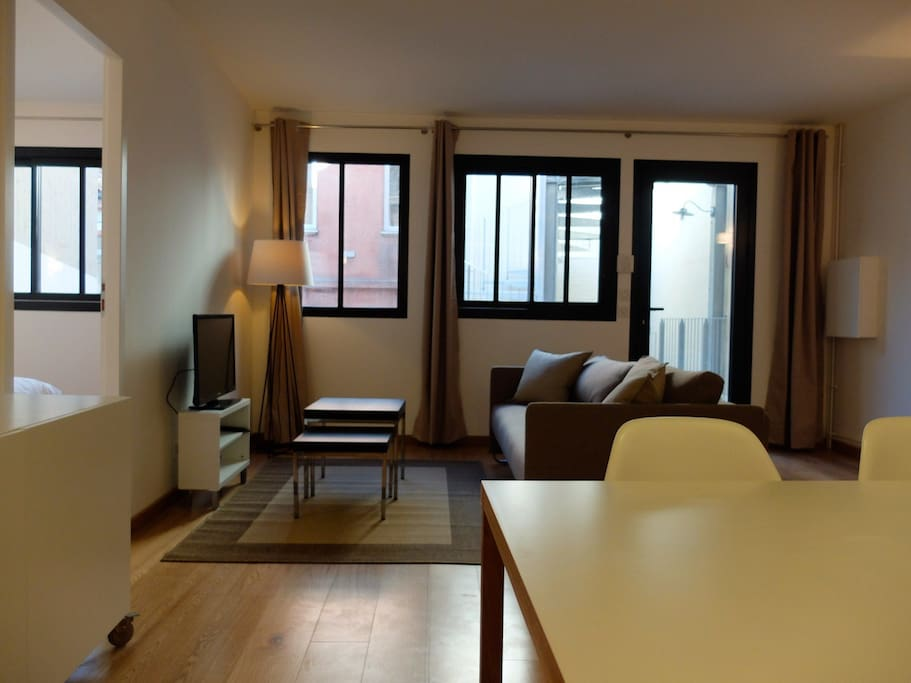 Meubl de standing hyper centre apartments for rent in for Garde meuble midi pyrenees