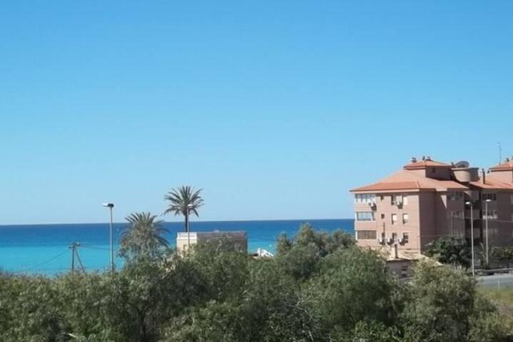 Flat with sea view And garden  - Villajoyosa - Apartemen