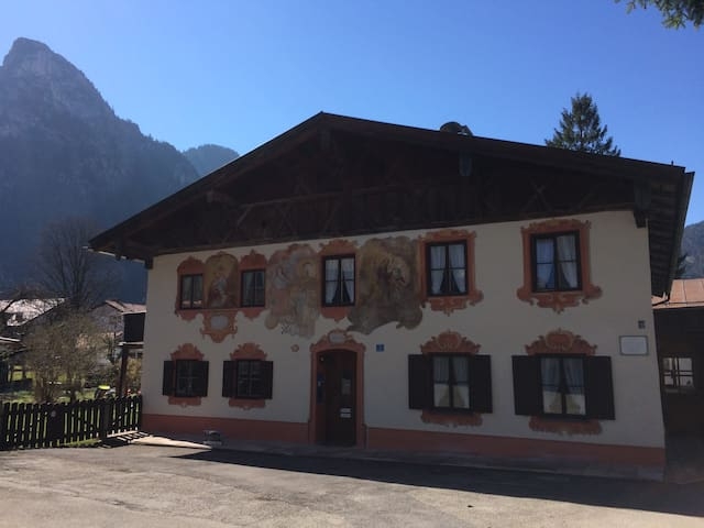 "nice holiday in ""Sonnengelb""! - Oberammergau - Appartement"