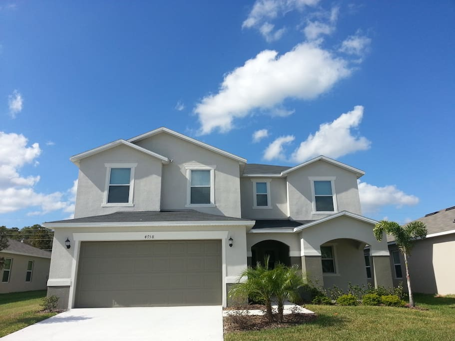 Cozy elegance 5 bedroom 2 suite houses for rent in kissimmee florida united states for 7 bedroom vacation homes in kissimmee fl
