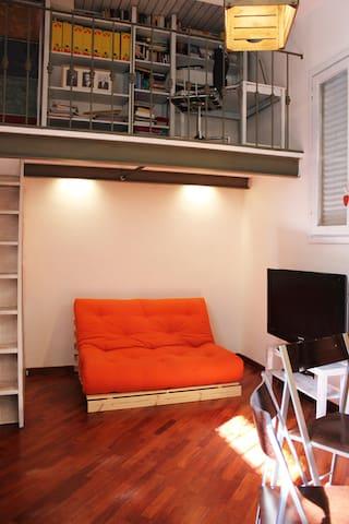 MouseHouse - zona fondazione Prada - Milão - Casa