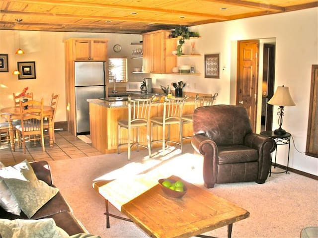 Private King or 2 Twin Room in Vail - Vail - Byt