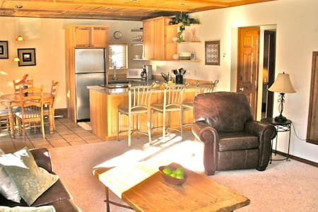 Private King or 2 Twin Room in Vail - Vail