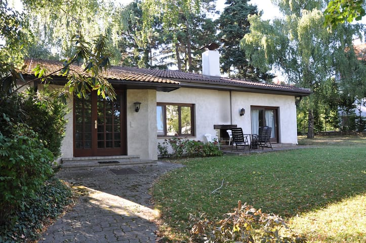 Bungalow in green area of Vienna