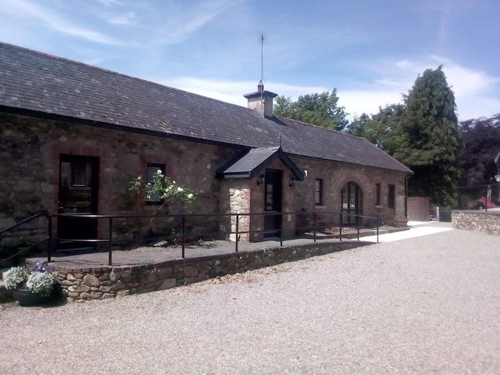 In Foulksmills Village - Mill Farm - Brook Cottage