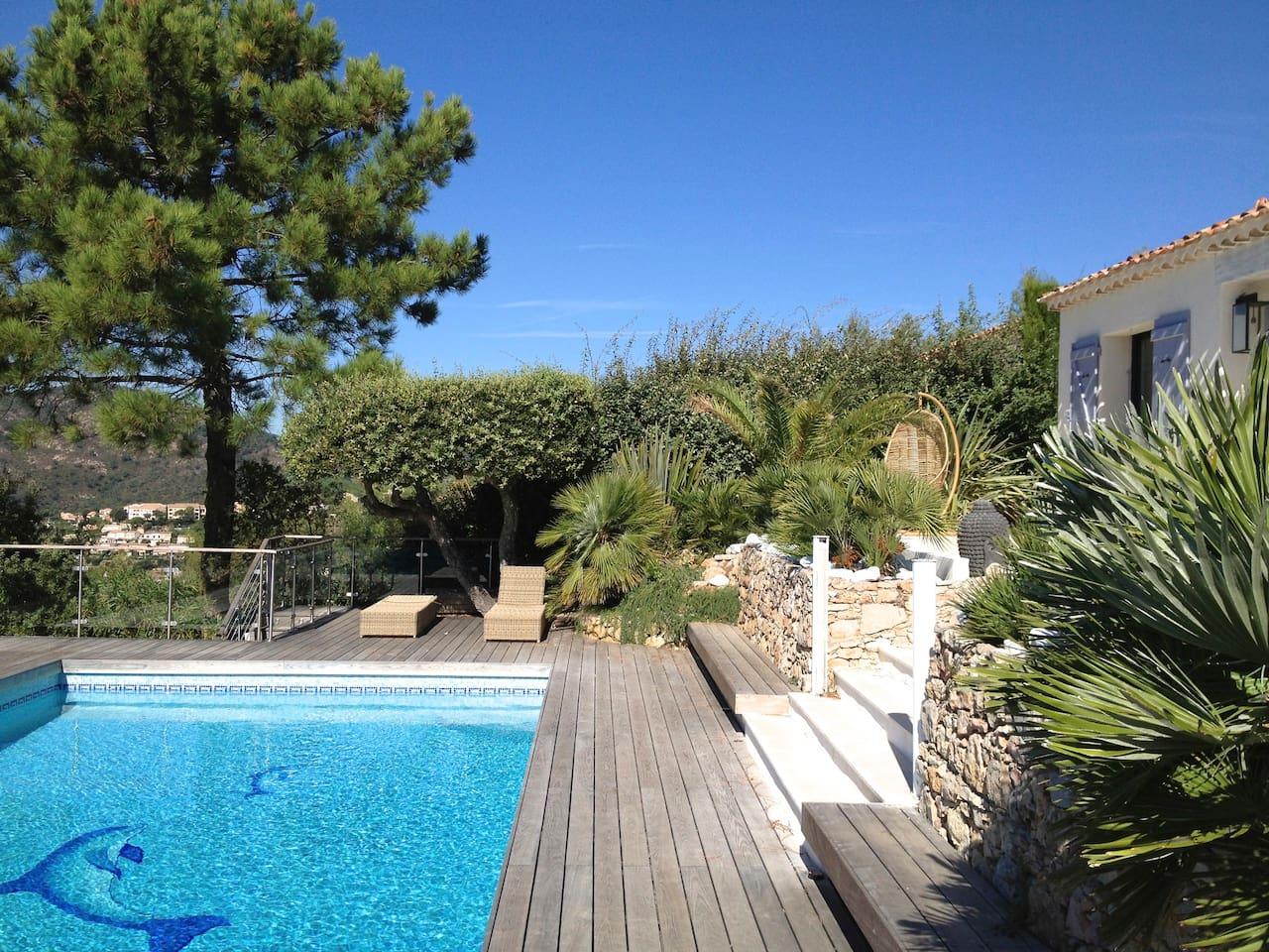 Villa 5*. Verwarmd zwembad. Jacuzzi. Sauna