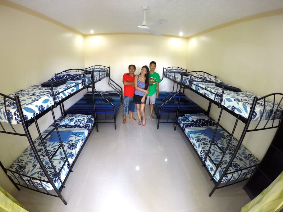 Shared big Sea View-dormitory room with AC and shared bath room, good for 8-12 persons, promo rate just PHP 500.- per person.(PRICE ON THIS PAGE)