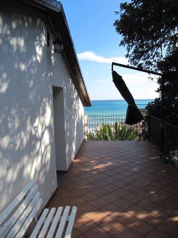 I Tre Alberi - Carob Tree House  - Giardini Naxos - Maison
