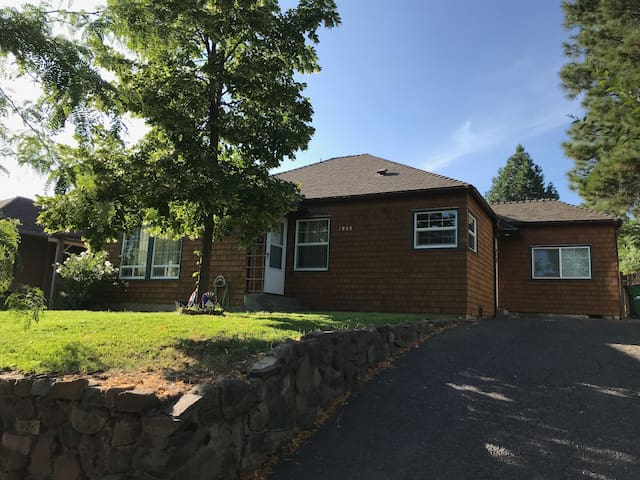 Charming Home Close to Hospital and OIT