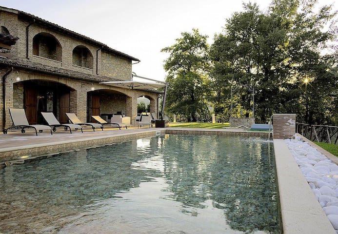 Villa Lucinda