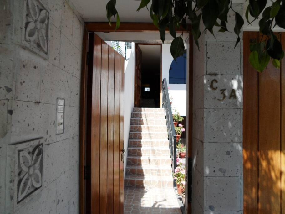 Principal entrance. La Arboleda C 3 - A.
