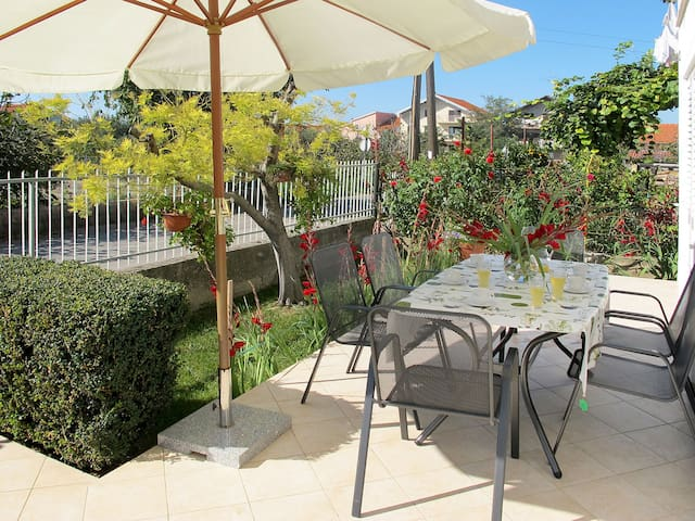 Holiday Apartment Rosa for 8 persons in Zadar