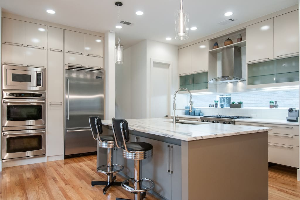 Gourmet kitchen available if you wish to prepare a meal or store your items in the refrigerator.
