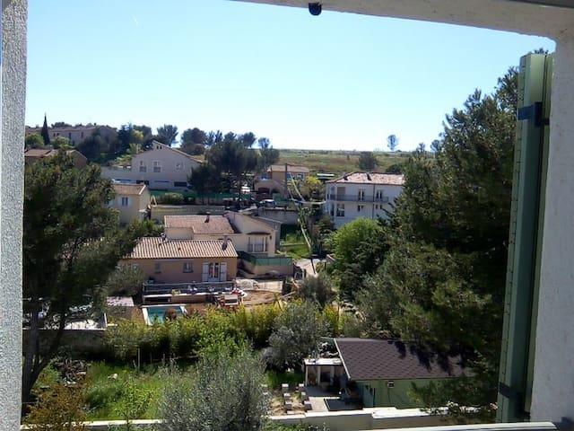 Studio indépendant avec terrasse dans villa, calme - Les Pennes-Mirabeau - Hus
