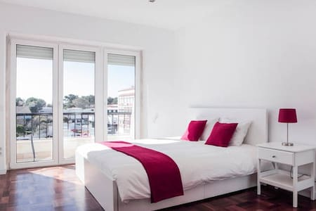 private room (with SEA VIEW), 1min BEACH #casaRene - Carcavelos