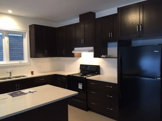 Rooms available in New Build Home - Kitchener  - Casa