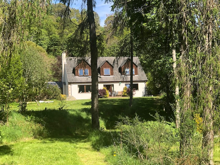Rivermill House near Loch Ness - pet friendly.
