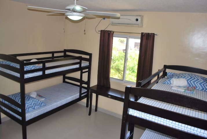 """BACKPACKERS"" Delight! - San Pedro  - Apartment"