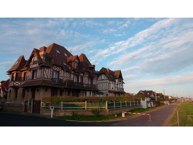 Charmante Villa Normande sur Plage - Hermanville-sur-Mer - Appartement