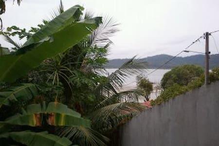 50m praia Cações. 26 m2 vista mar