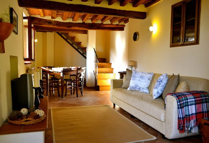 Tuscan Cottage for 4 - Cantagrillo - House