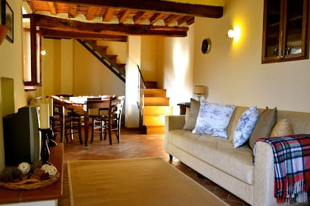 Tuscan Cottage for 4 people - Cantagrillo